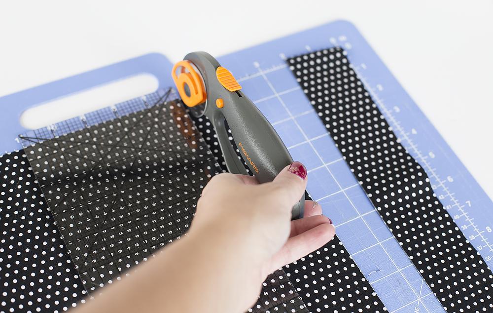 cutting-strips-of-fabric