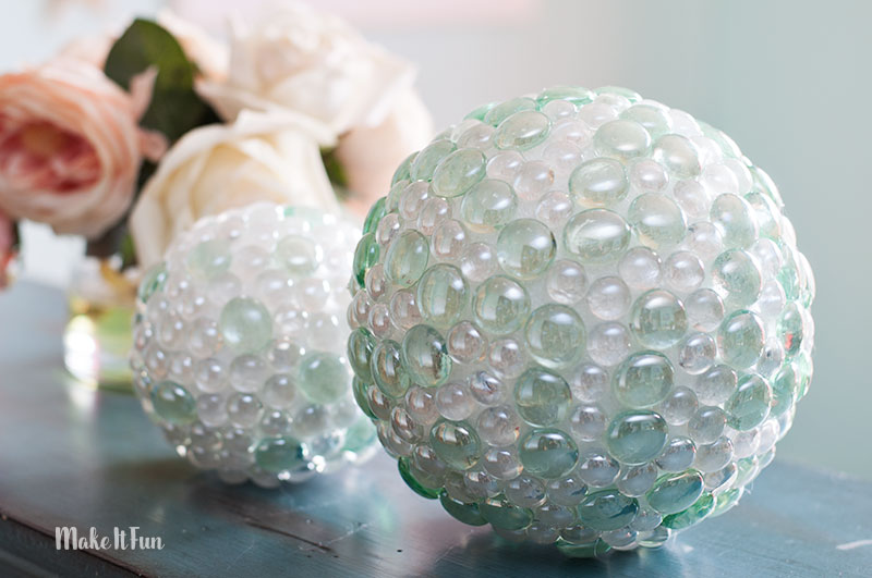 DECORATIVE GARDEN BALL