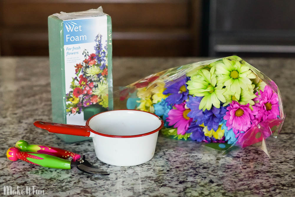 Floral Arrangement for 5 Dollars supplies
